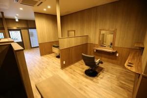 個室感あるカットスペース