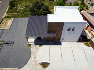美容室ドローン撮影 ガルバニュウムの屋根
