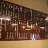 アクリルの素材を生かした看板です。カッティングシートなので値段、メニュー変更も意外と楽です。