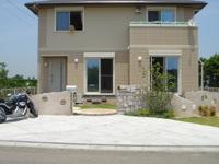 石とアールの門柱のオープンガーデン~津市 K様邸の詳細はこちら