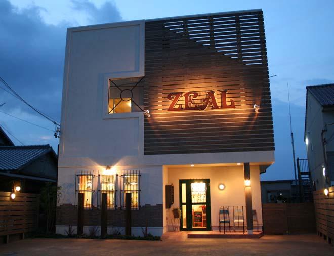 三重県松阪市 かわいいアンティーク家具の美容室Zeal